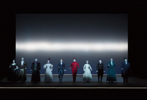 Das gesamte Ensemble am Ende des Stücks © Lucie Jansch
